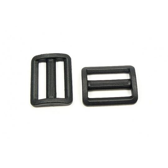 Plastové průvleky šíře 30 mm  P černý