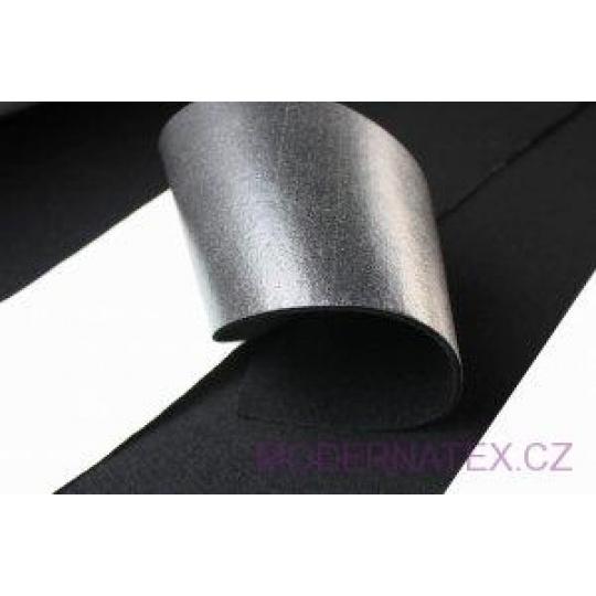 Fils samolepicí barva černá 650 gr